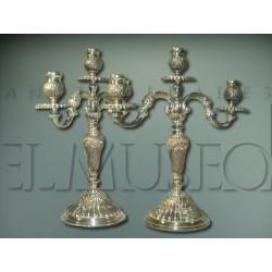 Pareja candelabros de plata