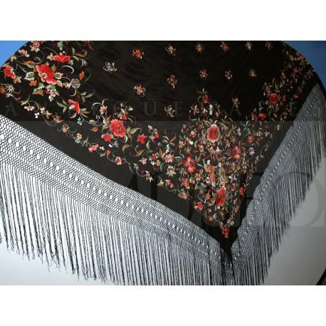 Mantón ala de mosca bordado en colores