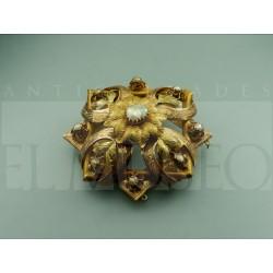 Elizabethan brooch